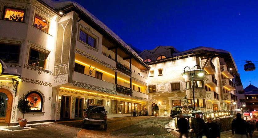 Hotel YSCLA Außenansicht Winter - 3.jpg