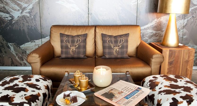 Lounge Detail.jpg