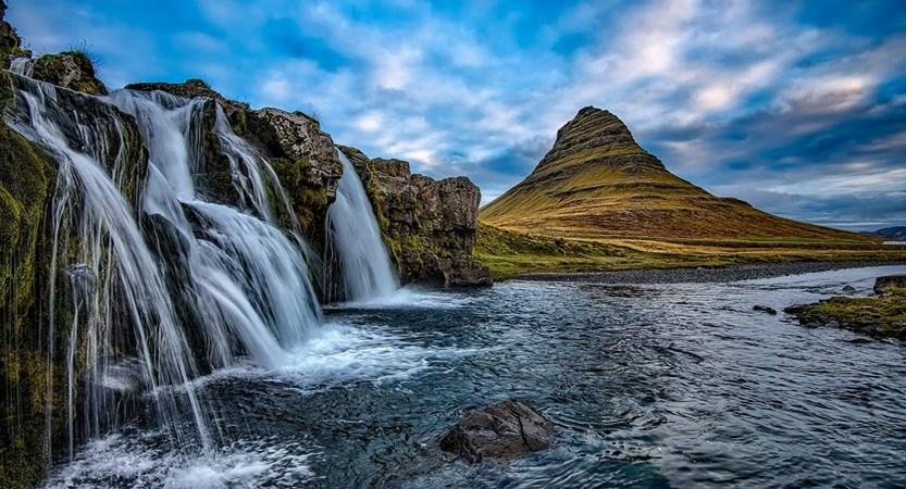 Kirkjufell_Mountain.jpg