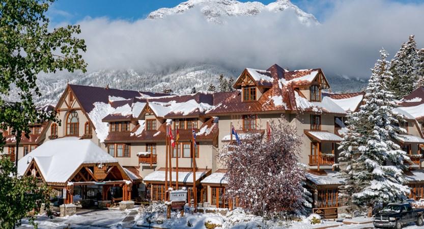 101_Banff_Caribou_Lodge_Winter.jpg