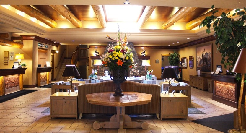 151_Banff_Caribou_Lodge_Lobby_Reception.jpg