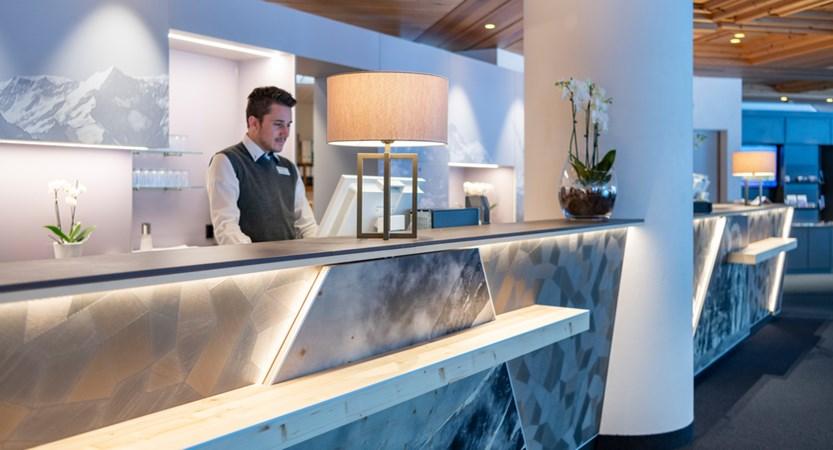 sunstar-hotel-grindelwald-rezeption-01.jpg