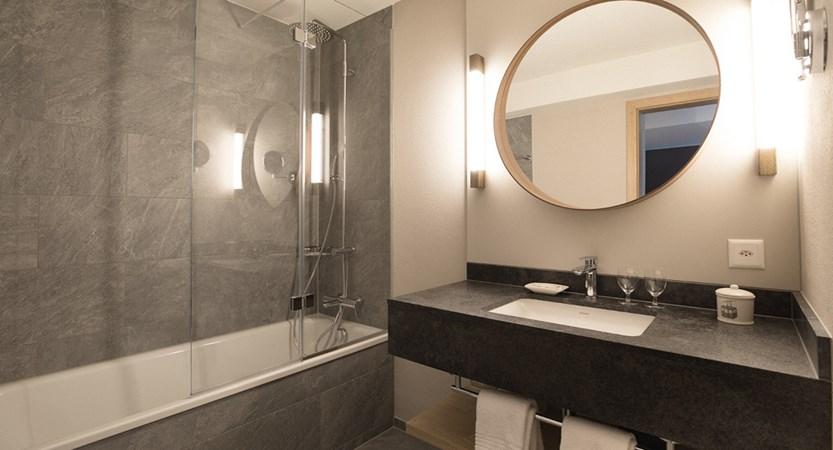 sample bathroom with rainshower bathtub combo.jpg