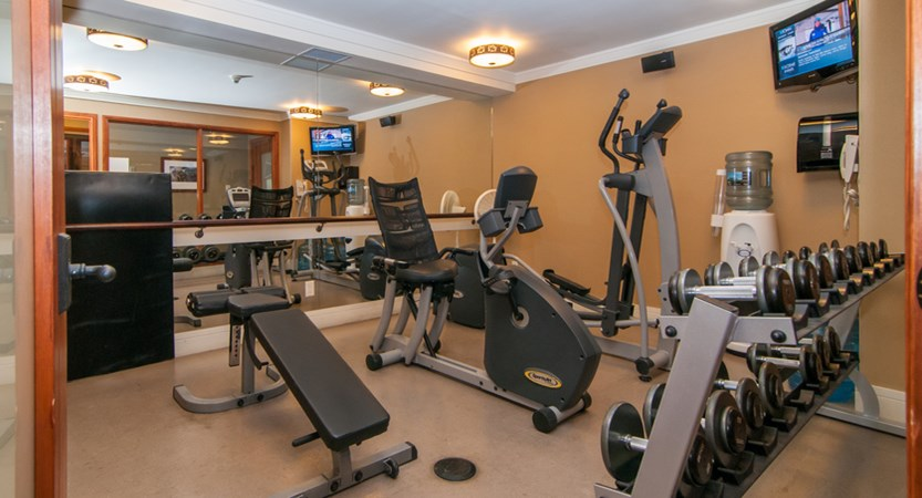 157_Fox_Hotel_and_Suites_Fitness_Room.jpg