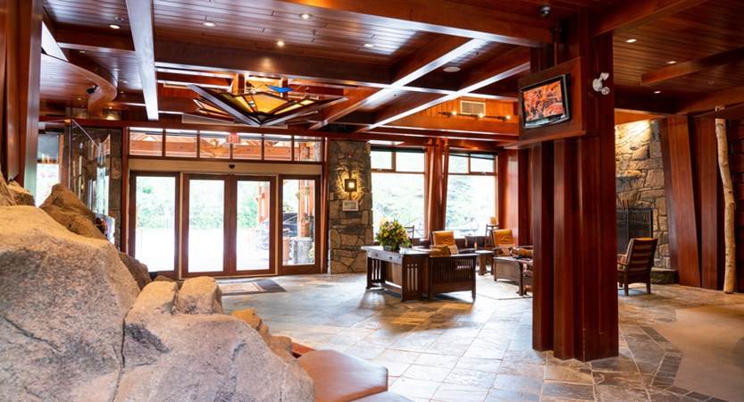 163_Fox_Hotel_and_Suites_Lobby.jpg