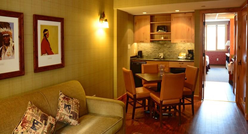 232_Superior_One_Bedroom_King_Suite_Living_Room.jpg