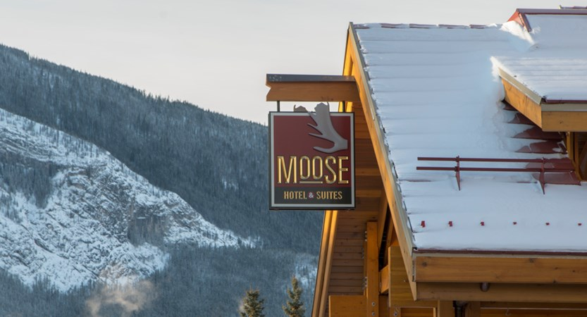 112_Moose_Hotel_and_Suites_Logo_Sign.jpg