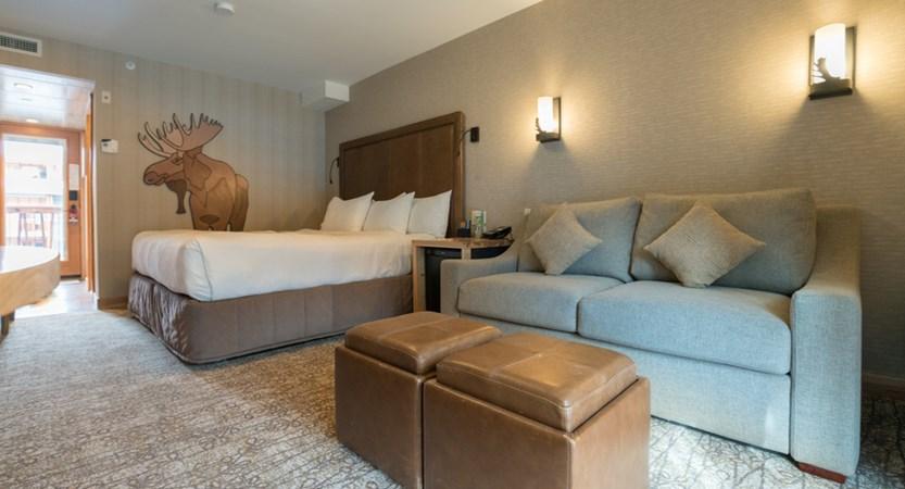 216_Superior_King_Hotel_Room.JPG