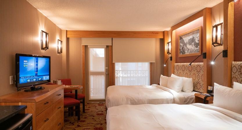 203_Standard_Hotel_Room_2_Queens.jpg