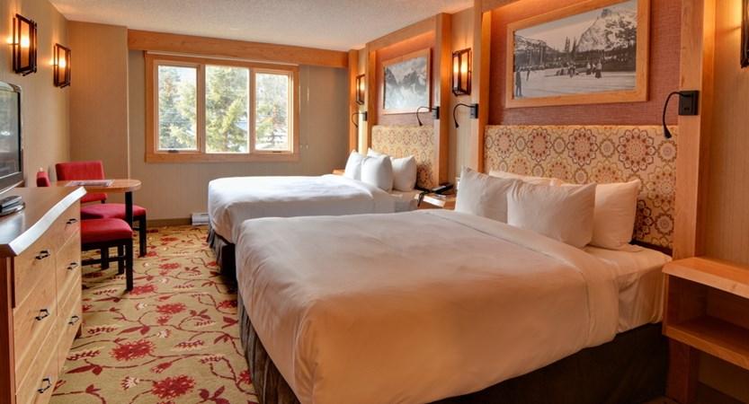 210_Superior_Hotel_Room_2_Queens.jpg