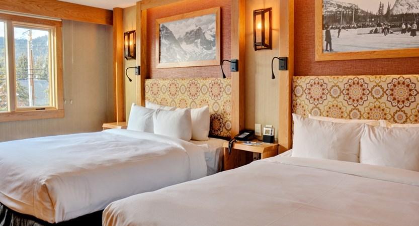 213_Superior_Hotel_Room_2_Queens.jpg