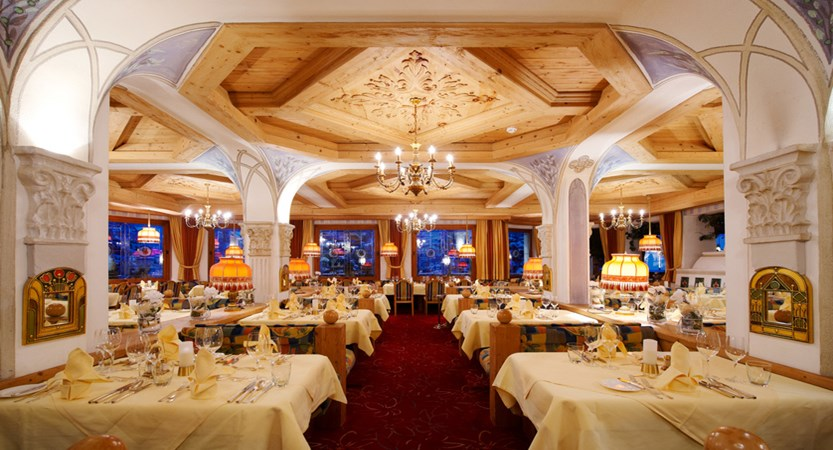 Restaurant_03 solaria.jpg