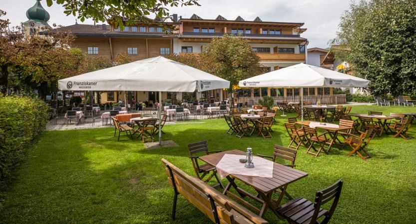 Hotel_Post_Dorfplatz_11_Westendorf_Garten_3.jpg