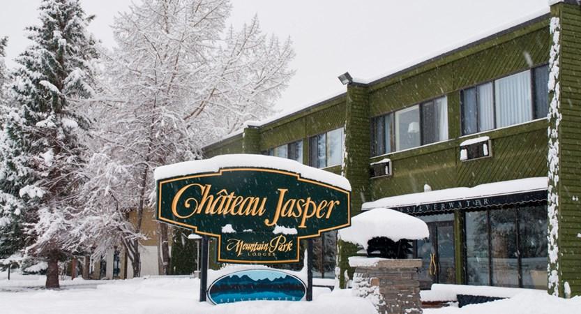 Chateau Jasper - Exterior - Winter - 1.jpg