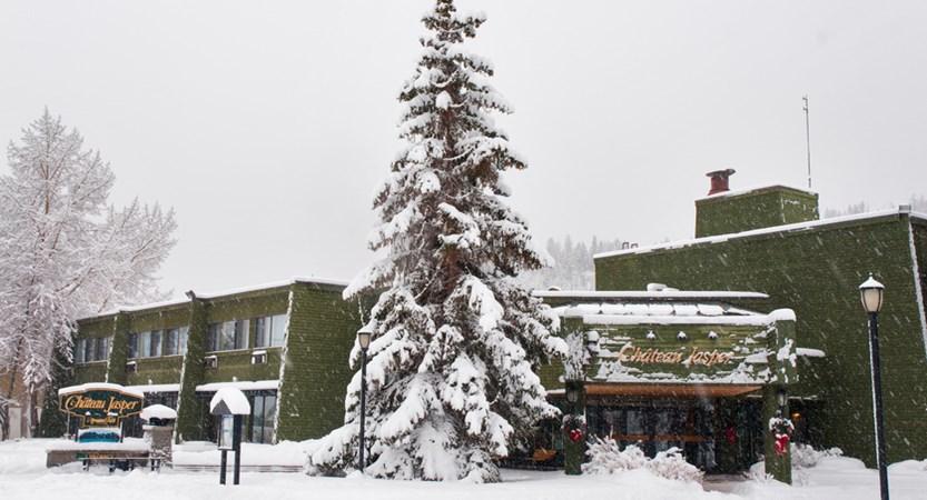 Chateau Jasper - Exterior - Winter - 2.jpg