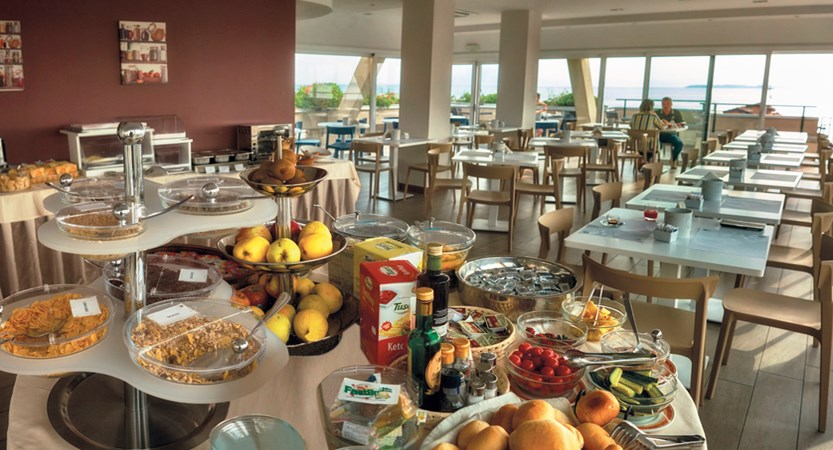 Hotel Bonotto breakfast room.jpg