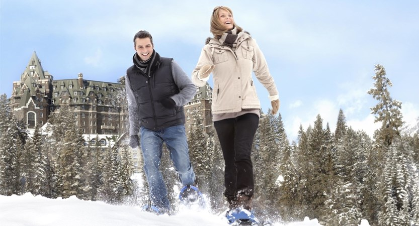 Banff_Snowshoeing_-_Couple_492536_high.jpg