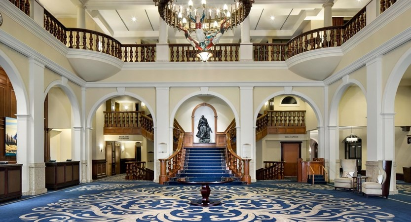 Hotel_Lobby_with_Staircase_478182_high.jpg