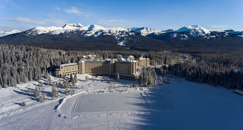 Fairmont_Chateau_Lake_Louise_Aerial_View_Winter_1024716_high.jpg