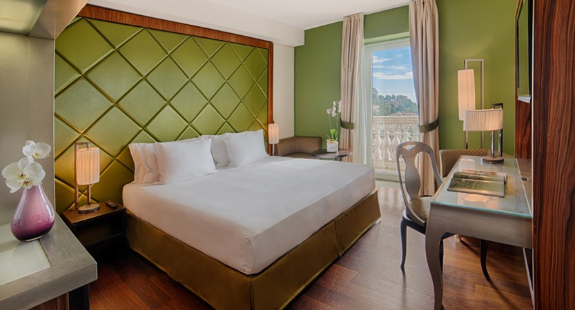 NH_Collection_Taormina_Room_Superior_Room_With_View.jpg