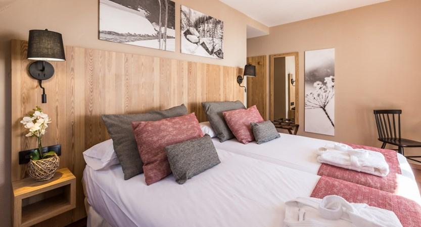 Grand Pas bedroom.jpg