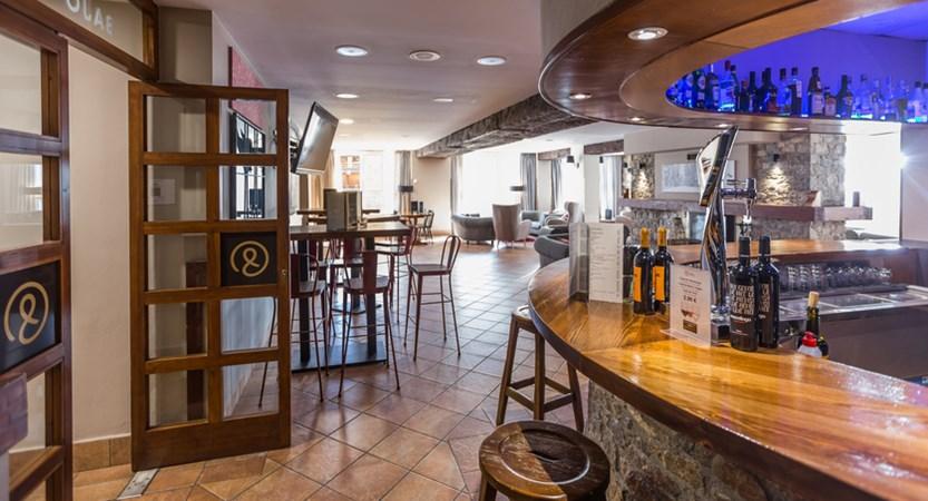 Grand Pas bar area (1).jpg