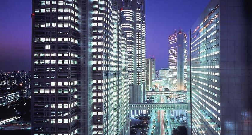 Shinjuku-Washington-Hotel-Main-Building_restaurant_manhattan_night-view2.jpg