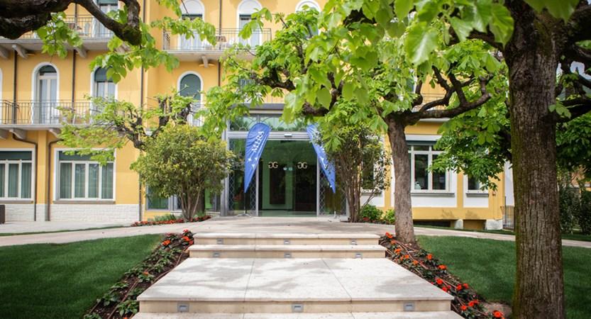 Hotel Villa Galeazzi, entrance.jpg