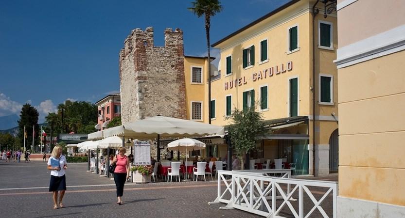 Catullo Hotel, Bardolino, Lake Garda, Italy - Promenade.jpg