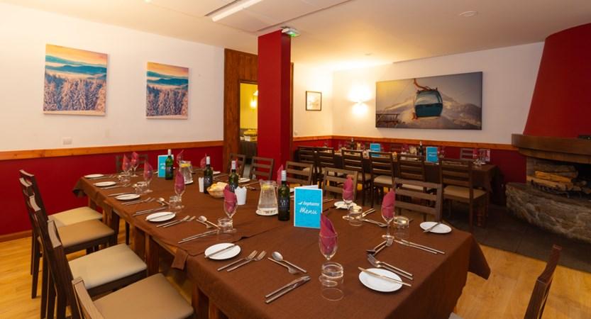 Les Grangettes dining_0.jpg