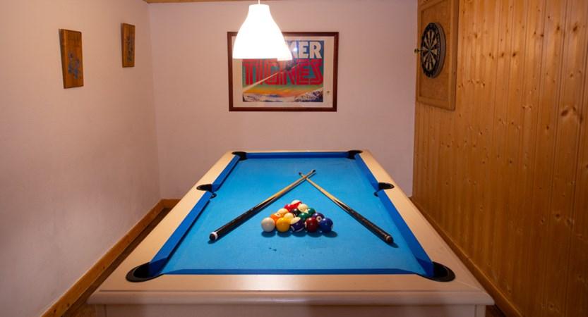 Le Chardonnet pool table1.jpg