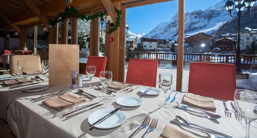 Savoie dining_2.jpg