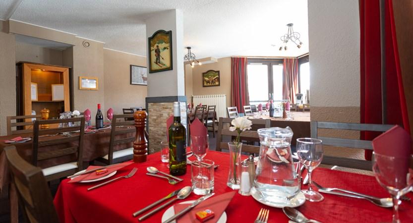 Champs dining _1.jpg