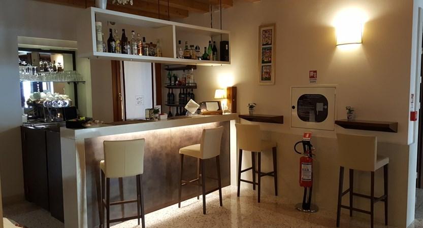 Hotel_Villa_Costanza_Bar.jpg