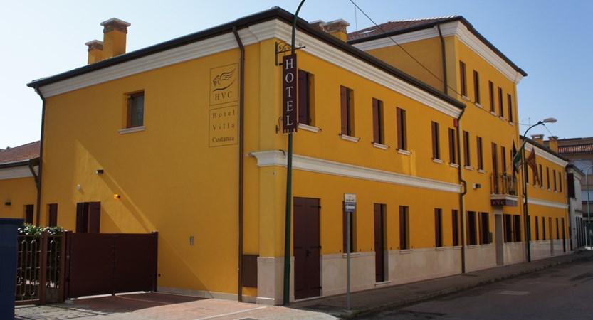 Hotel_Villa_Costanza_Exterior.JPG