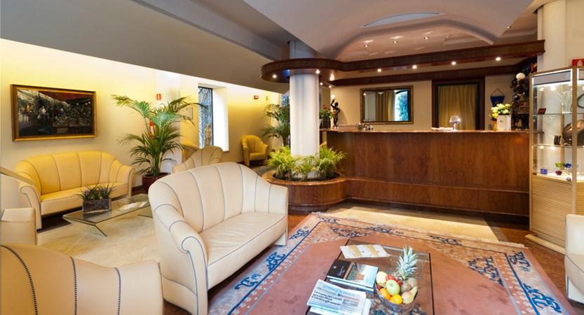Palermo_Hotel_Giardinio_Inglese_Bar.JPG