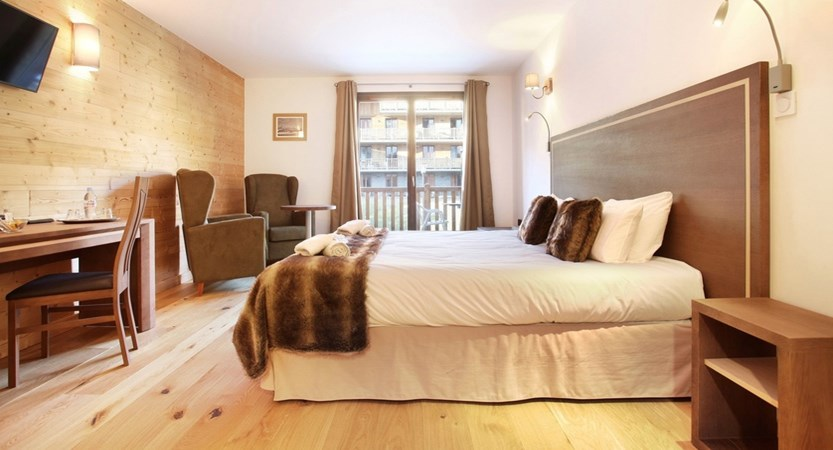 1_2435_tmpCA10_location-ski-la-clusaz-hotel-prestige-odalys-le-chamois-1.JPG