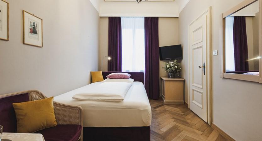 Hotel Adria, single room