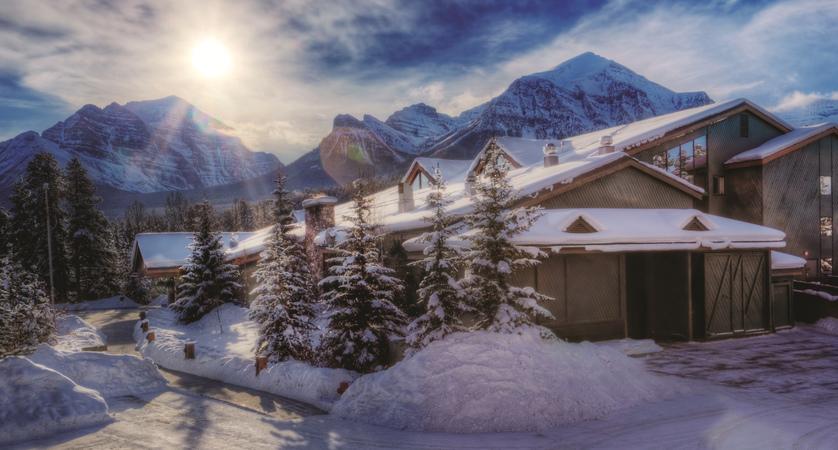 Hotel Exterior Winter.jpg