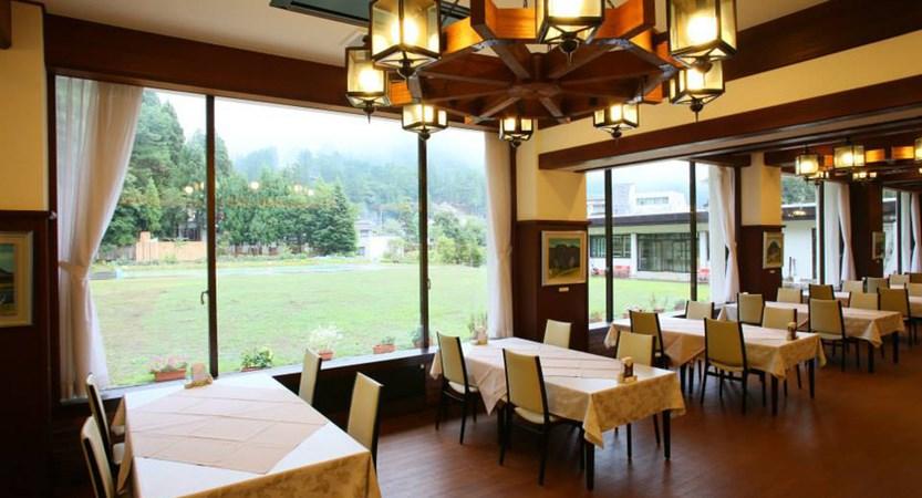 nozawagrand_restaurant.jpg