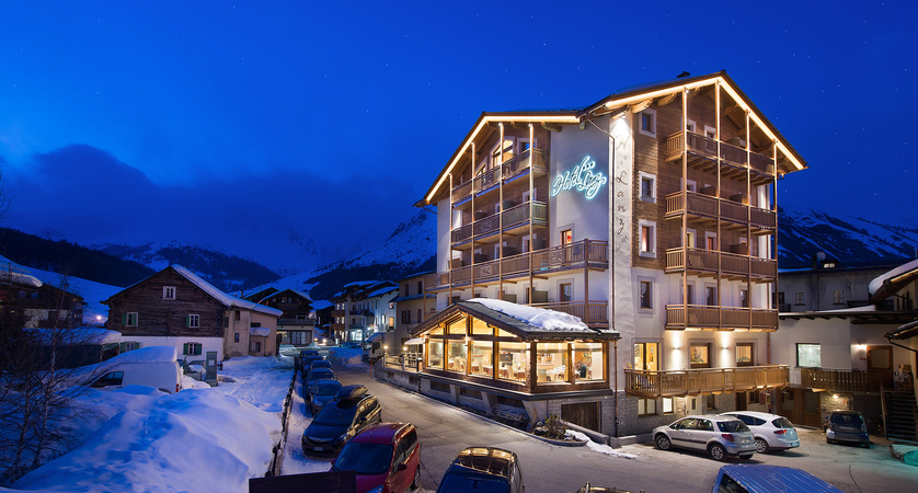 Hotel Lanz, Night View.jpg