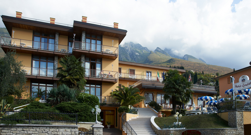 Hotel Cristallo, Exterior