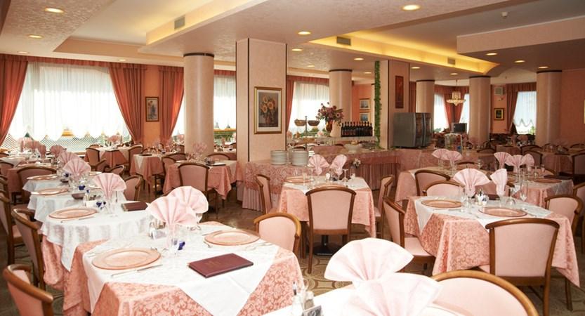 Hotel Cristallo, Dining Room