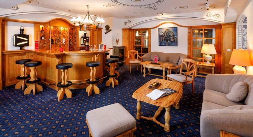 Hotel_Derby_Grindelwald_Bar_2019_HotelFotograf.ch_01.jpg