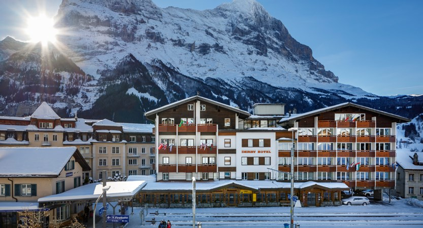 Hotel_Derby_Grindelwald_Aussenansicht_2019_HotelFotograf.ch_04.jpg