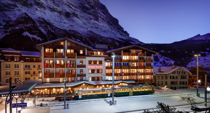 Hotel_Derby_Grindelwald_Aussenansicht_2019_HotelFotograf.ch_02.jpg