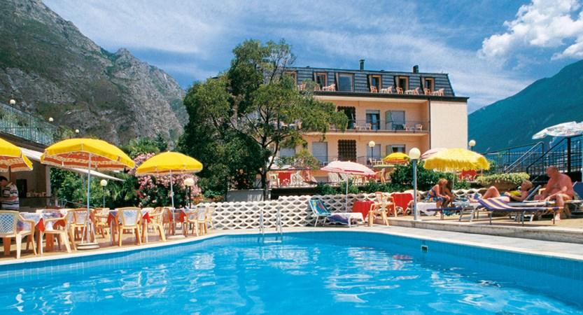Hotel Garda Bellevue, Pool and Garden