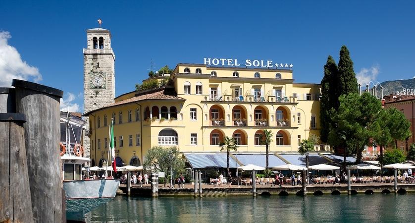 Hotel Sole, Exterior