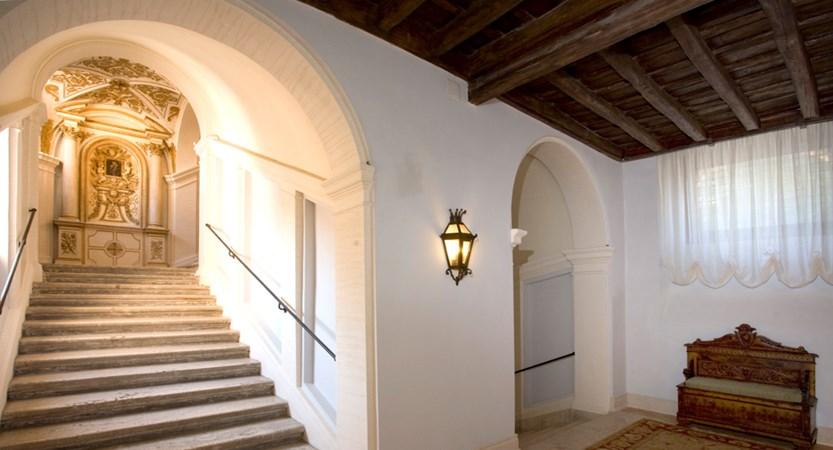 VOI_Donna_Camilla_Savelli_Borromini_Stairs.JPG