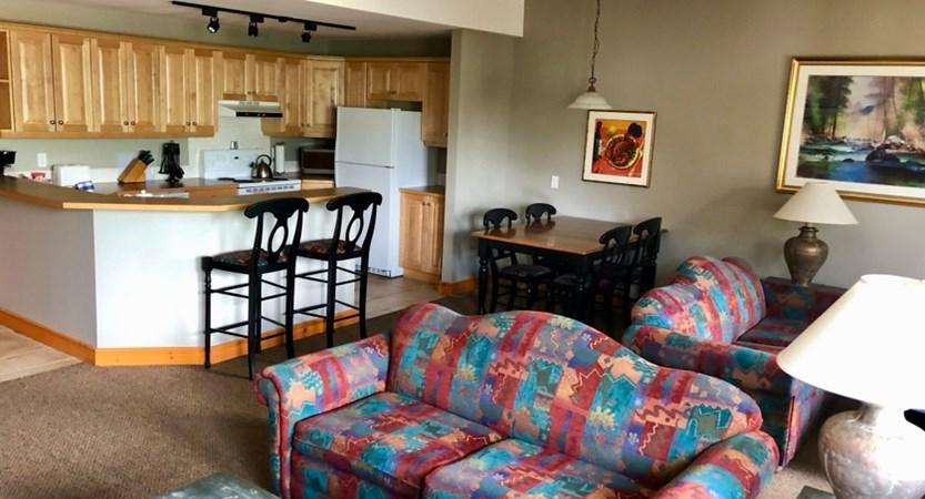 Lizard Creek Lodge & Condos ONE BED APARTMENT.jpg (1)